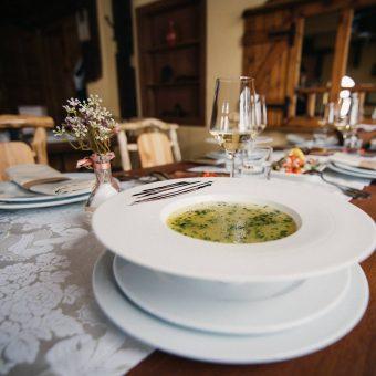 Janjeća bistra juha s rezancima