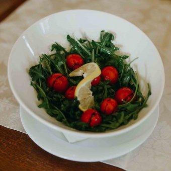 Salata od rikole & cherry-a