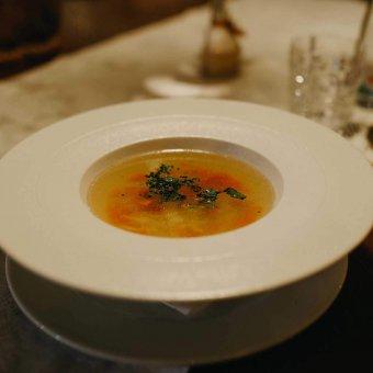 Teleća bistra juha sa rezancima